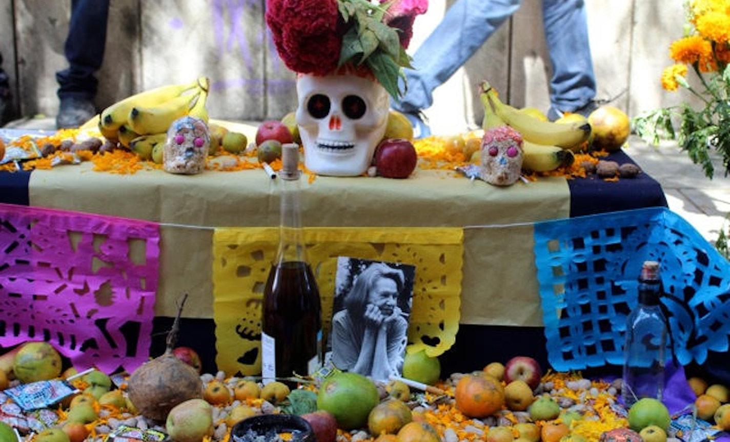 Learn about Dia de los Muertos